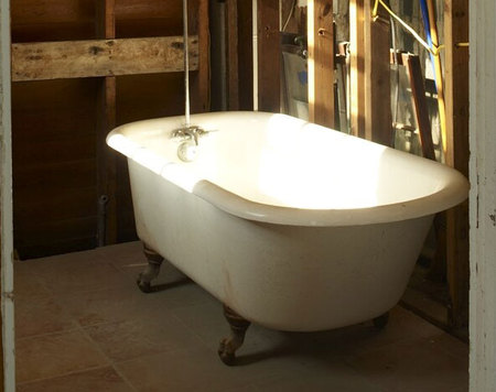 Clawfoot tub in New Orleans house